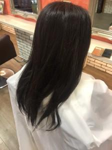 ストレートヘア+バッサリ艶髪ボブスタイル/100%天然ヘナのある亀有の美容室PRIDE.RISE